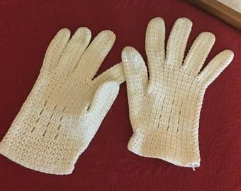 Ladies Crocheted Gloves