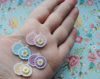 Micro crochet potholders for dollhouse scale 1:12. Set of 2 miniature crochet potholders for dollhouse miniature kitchen.