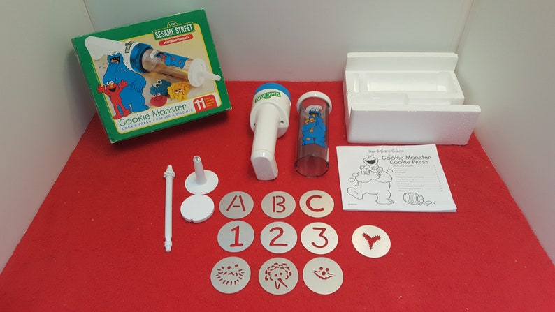Vintage Hamilton beach cookie press, sesame street cookie monster cookie  press, with box and instructions