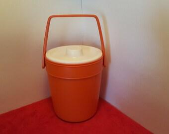 Vintage plastic rubbermaid ice bucket, orange plastic ice bucket, rubbemaiD,  #2260