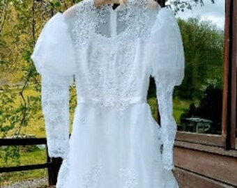 Vintage 70s White Wedding Dess Layered Ruffles Ribbon Trim Sheer Lace Long Sleeves High Neck Victorian Gunne Sax Style Bridal Gown - XS