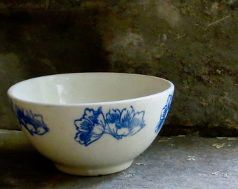 18th Century scenes Porcelain Coffee bowl Chateau style Faceted bowl French cafe au lait bowl Breakfast bowl Porcelaine