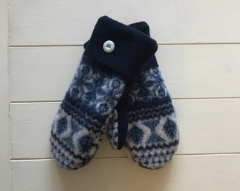Sweater mittens/Soft and warm handmade wool sweater mittens/one of a kind/Navy & White lambswool
