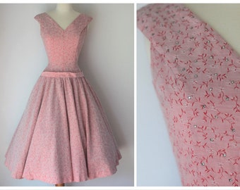 33192f68b29 1950s pink floral dress