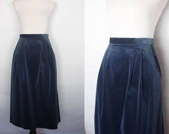1970s blue velvet skirt, 1970s blue skirt, vintage blue velvet skirt, velvet skirt, 1970s skirt, 1940s style skirt, 1940s velvet skirt