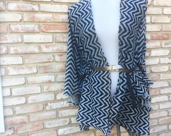 Kimonos, Chevron Print, Kimono Jacket, Gift Ideas, Ponchos, Boho Ponchos, Kimono Cardigan, Fall Cardigan, Monochrome Black, Gray Kimono