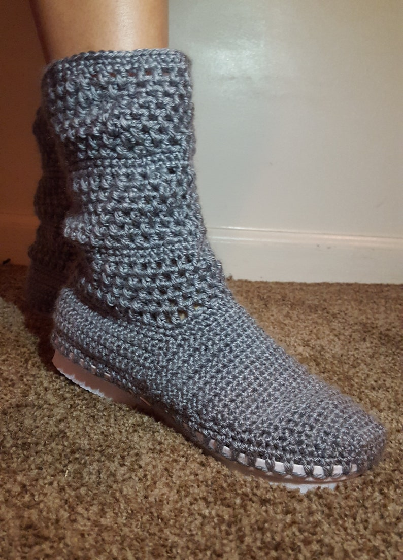 f84b9fa733a83 Crochet slipper boots with anti-slip sole, Slouch ankle boots, Women  slippers, Crochet outdoor slippers, Winter boots, Pantunflas Tejidas