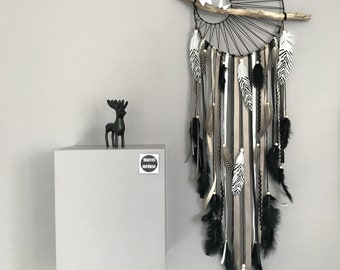 Dream catcher weaving Sun color black, taupe, Tan and driftwood.