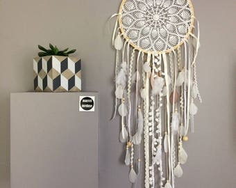 Grand Dreamcatcher / Dreamcatcher / Dreamcatcher in Lace, Feathers and Wood Beads