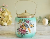 Pretty vintage ceramic biscuit barrel/cookie jar with metal handle, 1940's