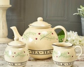 Vintage ceramic teapot, s...