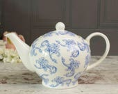 Vintage blue and white sp...