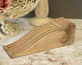 Vintage carved wooden cor...