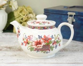 Vintage teapot, Sadler red and blue oriental pattern, made in England