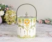 Pretty vintage ceramic bi...