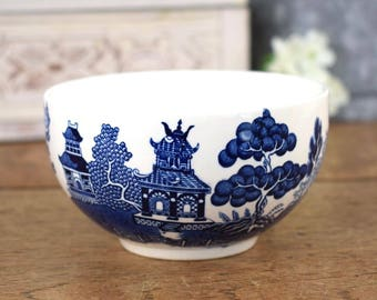 Vintage blue and white willow pattern small dish or sugar bowl