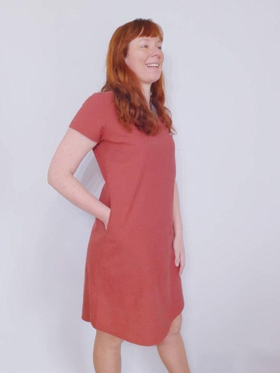 The Ziggy dress in brick red linen