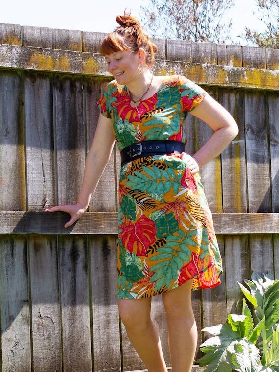 The Ziggy dress in orange tropics