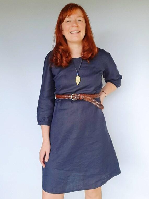 The Izzy dress in Navy Linen