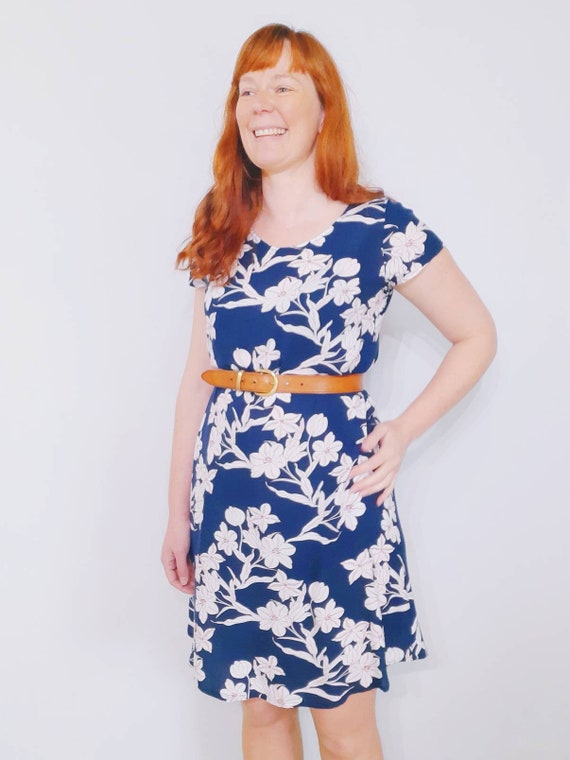 The Ziggy dress in navy floral