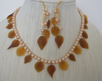 Leafy necklace and matching earrings