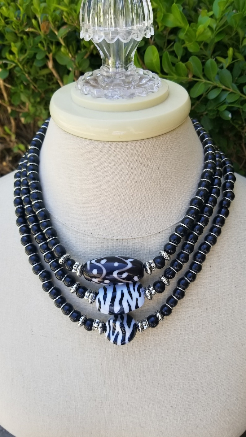 ***FREE SHIPPING*** Finely Crafted African Inspired Necklace