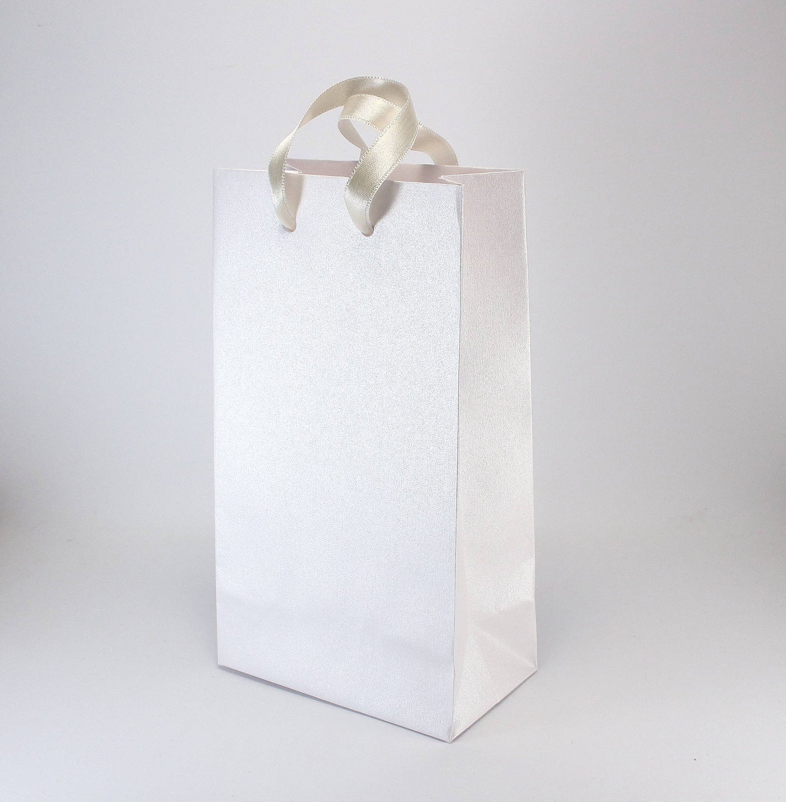 50 SMALL White Paper Bags for Wedding Guests - Luxury Metallic Paper ...