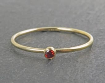 Anillo Red Zirconia