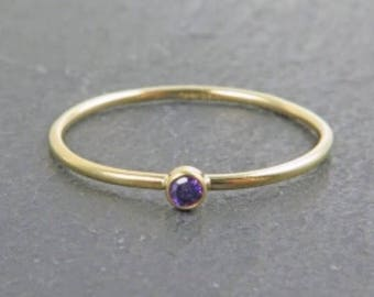Anillo Purple Zirconia