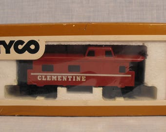 Vintage Tyco HO  Scale Red  40'Caboose Clementine #327-50 in Original Display Box