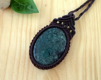 Moss agate macrame pendant, macrame jewelry, moss agate necklace, macrame stone, gemstone pendant, macrame necklace, moss agate jewelry