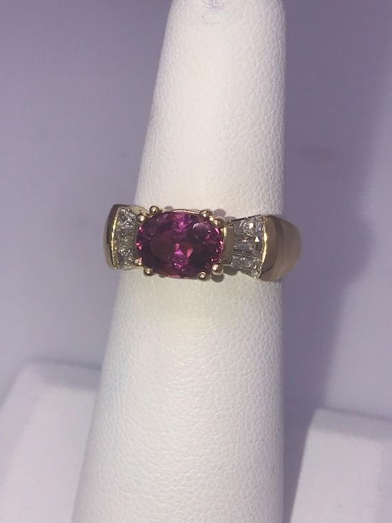 Ring,14k yellow gold. Pink tourmaline.