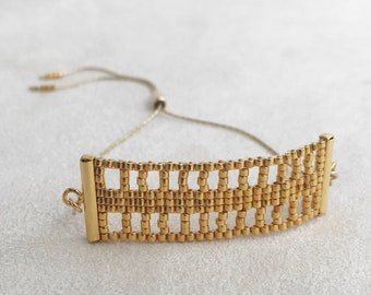 Beadwoven Adjustable Gold Chain Bracelet in Gold Lattice