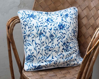 """Cushion cover with piping """"Delft"""""""
