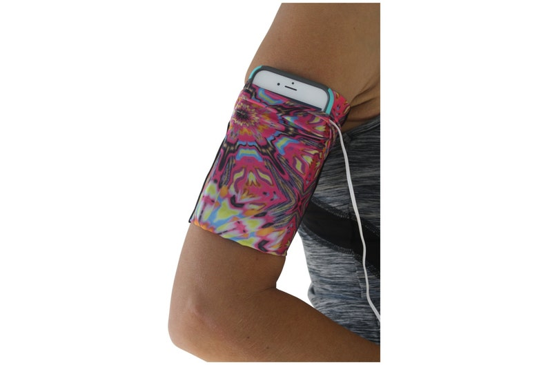 online retailer 7130c 77180 Cell Phone Arm band Running Pouch for runners Samsung iPhone iPod Universal  KALEIDOSCOPE Armband Workout