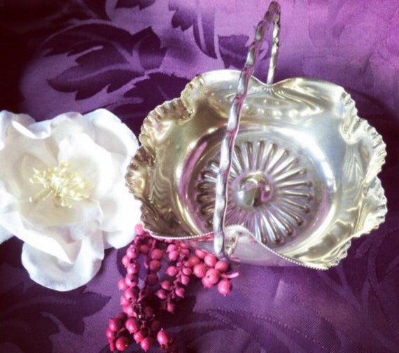 A Victorian Edwardian silver plated bonbon dish made by William Hutton and sons c1900 Perfect for serving sweet treats.