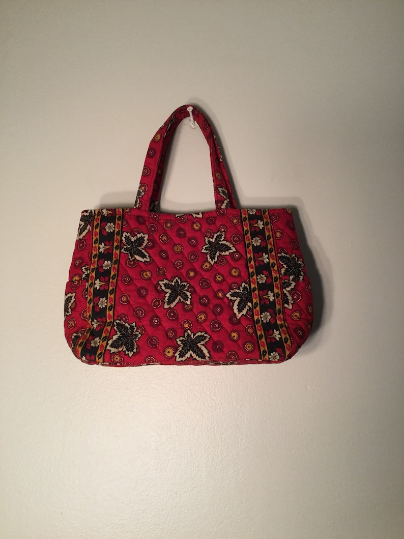 5cd0e31a51e8 Vintage Vera Bradley Red Coin Quilted Purse   Bag Leaf Pattern