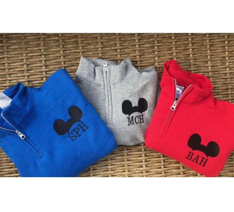 f90819116 YOUTH Mickey Mouse Disney MonogramPullover Kids Minnie Mouse