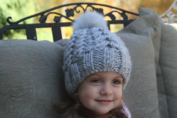 Diferent color knitted hats. Knitted girl hat. Girls knit hat.  ec89e967fc3