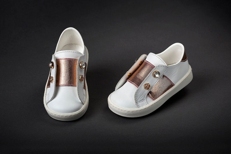 Rose gold Baby shoes Beaded Leather shoes Handmade baby shoes Unique handmade shoes girl Toddler cute White elegant shoes size 3 4 5 6 US EU