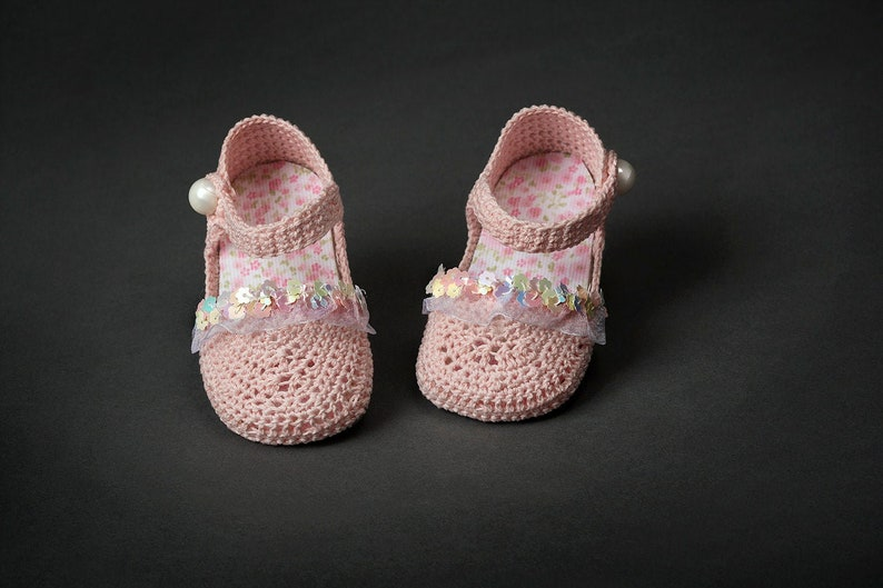 1cbea248e5539 Sparkle gifts Knitted baby girl shoes rhinestone White Pink Crib shoes  Handmade New born Infant baptism shoes size 2 3 4 US EU Kids shoes