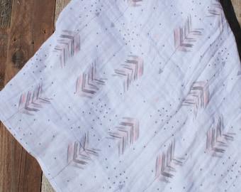 47x47 Coral Arrows Muslin/Double Gauze Swaddling Blanket, Swaddle Blanket, Swaddle, Arrow Swaddle, Coral Swaddle, Trendy Swaddle