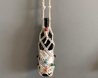 River - Macrame Bottle Holder
