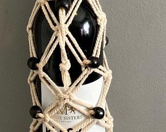 Akua - Macrame Bottle Holder