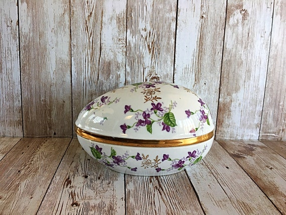 Vintage Norleans peach lusterware egg shaped dresser box trinket box