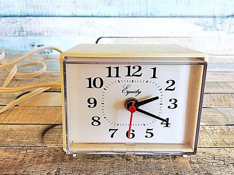 Vintage Alarm Clock Retro Clock Analog Alarm Clock Vintage image 0