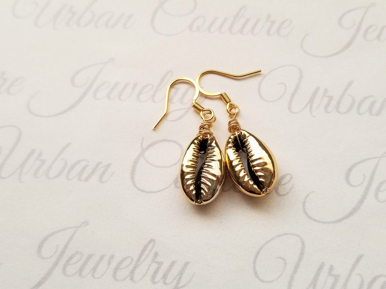Gold Sea Shell Earrings, Small gold Electroplate Sea Shell Earrings, Gold  Boho Beach Jewelry, Beach Earrings