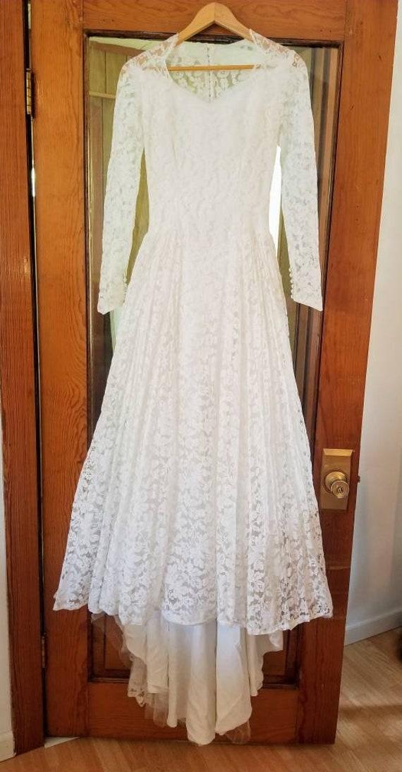 1950s wedding dress