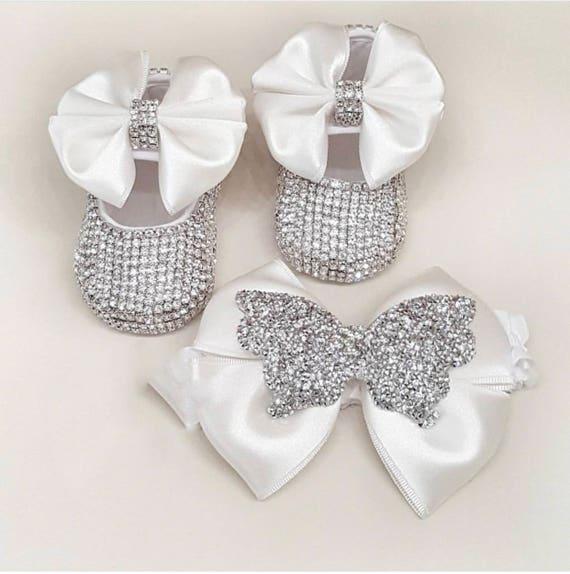 Fait à la main cristaux Swarovski mignon bébé blanc chaussures chaussures chaussures / baptême bébé cadeau bébé fille cadeaux / chaussures de baptême / nouveau-né fille chaussures / | Aspect élégant  09bcbd