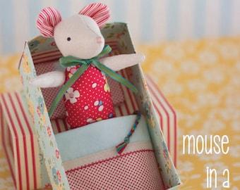 Maus in eine Streichholzschachtel Filz Kuscheltier Nähen Muster nur von Mai MB051 Blüte